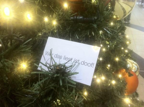 im Weihnachtsbaum im Einkaufscenter